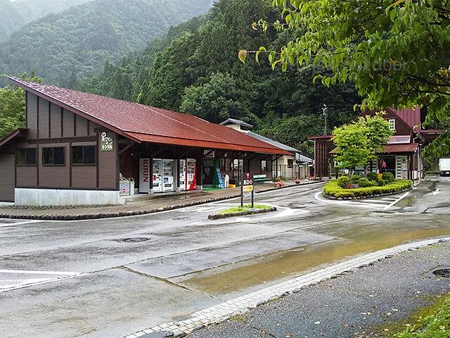 奥飛騨温泉郷オートキャンプ場 売店 夏 キャンプ 2020